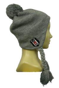 Шапка вязаная с косами с вышивкой